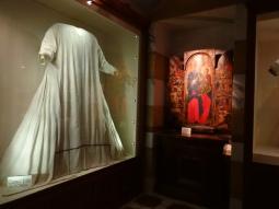 Pilgrim-Paths-Clare-Robes